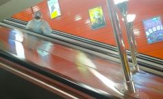 Американские журналисты: Поездки в метро во время пандемии могут быть безопаснее, чем обед в кафе