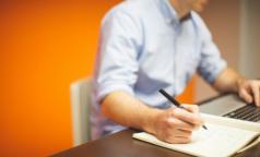 Кардиолог назвал способы снизить вред от сидячей работы