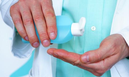 Продезинфицировал руки — не три глаза. Спиртовые антисептики могут вызывать ожог глаз у детей