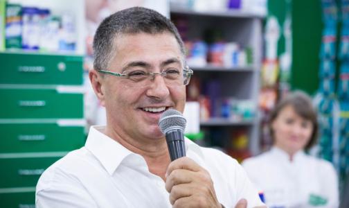 Доктор Мясников объяснил, почему не стоит паниковать из-за роста числа заболевших коронавирусом