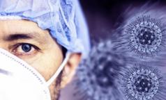 Медики 40-й больницы первыми в Петербурге сделали прививку от коронавируса. У двоих немного повысилась температура
