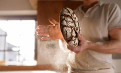 """В Роскачестве объяснили, почему """"улучшенный"""" хлеб не всегда вреден и какие добавки его не портят"""