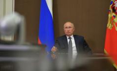 Путин поручил найти возможность 100-процентной оплаты больничных родителям дошкольников
