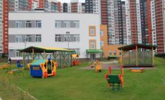 В Петербурге четырех воспитанников детсада увезли в больницу с сальмонеллезом