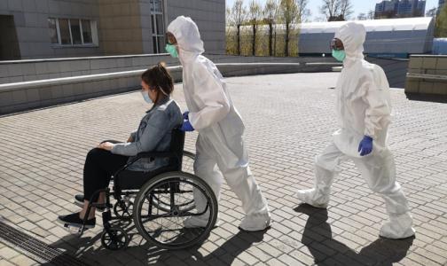 За последние сутки скорая помощь доставила в ковидные больницы 669 петербуржцев