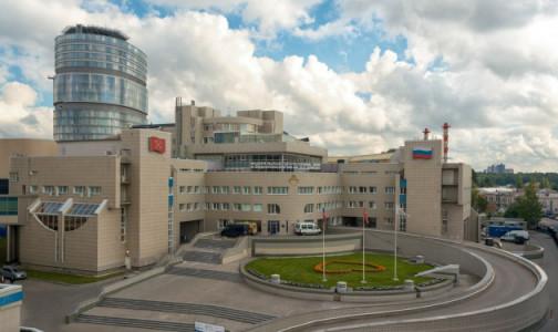 Центр им. Алмазова начнет лечить петербуржцев с ковидом и пневмониями в декабре