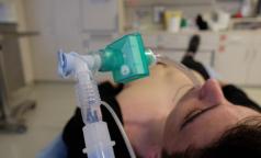 Глава Минпромторга: Заболеваемость растет, выдаем компаниям лицензии на производство кислорода в ускоренном режиме