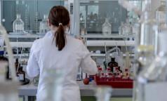 """Инфекционист: Некоторые не заболевают COVID-19, даже если у них нет """"видимых"""" антител в крови"""