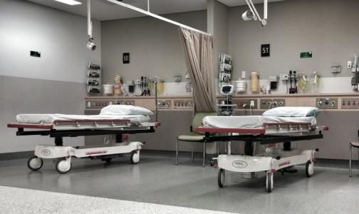 Число госпитализаций с коронавирусом и пневмониями в Петербурге превысило июньский пик