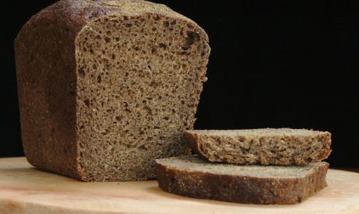 Диетолог объяснил, почему черный хлеб для диабетиков вреднее белого