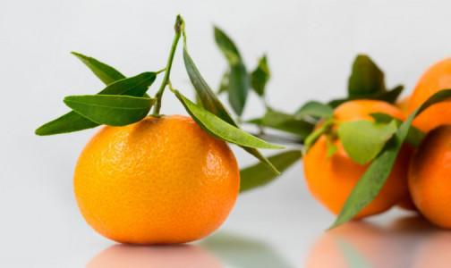 """Роспотребнадзор: Чтобы самый новогодний фрукт """"лечил"""" не только настроение, надо его правильно выбирать и хранить"""