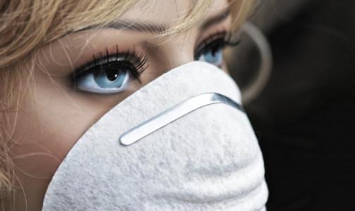 Ношение использованной медицинской маски может быть опаснее, чем полный отказ от нее