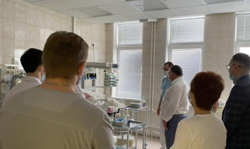 Месячного малыша транспортировали в университет педиатрии Санкт-Петербурга спецбортом МЧС