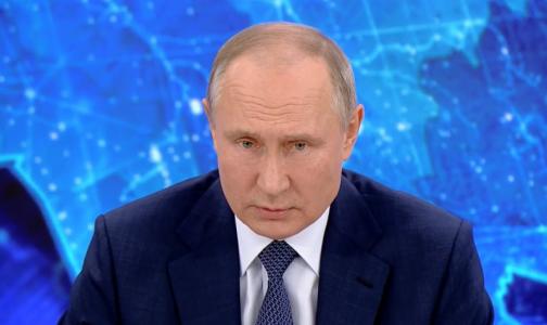 Путин поддержал предложение удвоить выплаты врачам в новогодние праздники