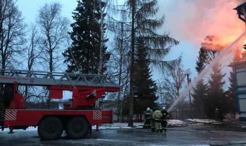 В Ленобласти загорелся детский пульмонологический санаторий - пожар тушили около часа
