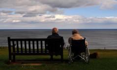 Навестить бабушку по Скайпу. Как частные и некоммерческие пансионаты для пожилых справляются в новых условиях