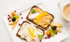 Перекусы помогают «не растягивать желудок». Диетологи объяснили, зачем нужны «вторые завтраки»