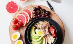 Почему лучше не есть кашу утром, и каким должен быть идеальный завтрак, рассказали нутрициологи