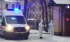 «Всё под завязку». Федеральные клиники Петербурга морально готовы открывать койки под ковид, но не до бесконечности