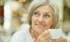 Роспотребнадзор рассказал, какие полезные вещества нужны людям в возрасте 65+, и в каких продуктах они содержатся