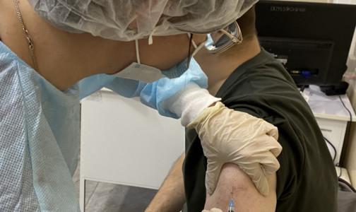 Инфекционист Боткинской больницы объяснил, почему кому-то не нужна прививка от коронавируса, а нужен тест на антитела