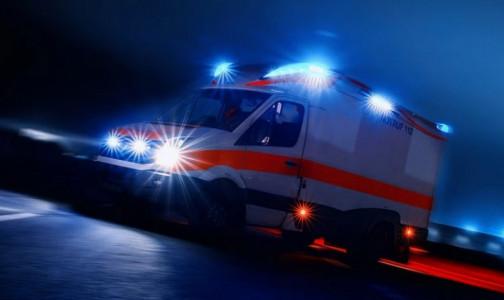Грузовик сбил двух фельдшеров скорой помощи, которые приехали на вызов к пострадавшим в ДТП