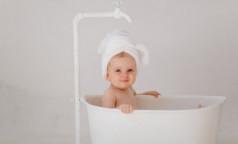 Педиатры ответили, стоит ли купать детей в крещенской проруби