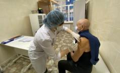 """В Петербург поступили 20 тысяч доз коронавирусной вакцины """"Спутник V"""""""