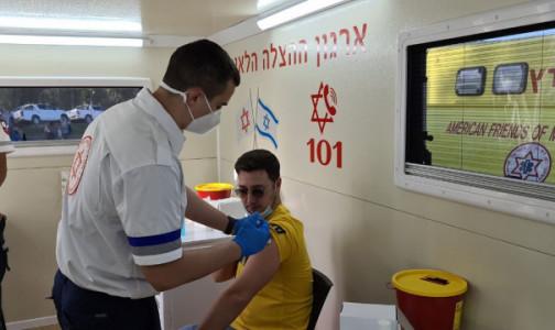 Израильский эксперт: У нас вакцинируется более 100 тысяч человек в сутки. К лету страна откроется для туристов