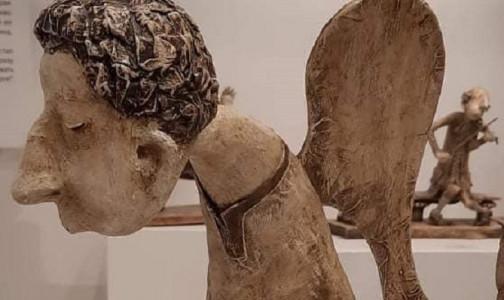 """""""Печальный ангел на скамеечке"""": Памятник медикам, умершим от ковида, появится возле Карповки на этой неделе"""
