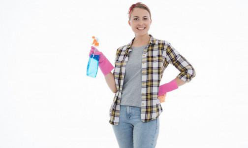 Внимание на выключатели и дверные ручки: Как правильно наводить чистоту в доме в пандемию, рассказал Роспотребнадзор