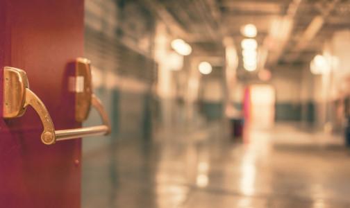 Противотуберкулезный диспансер выезжает из здания на Боровой. Его до декабря передадут РПЦ
