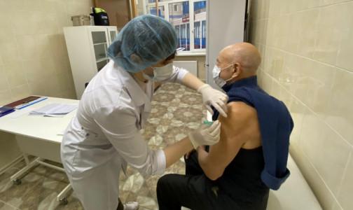 Привились самые сознательные, остальные думают. Почему петербуржцы не спешат вакцинироваться от коронавируса