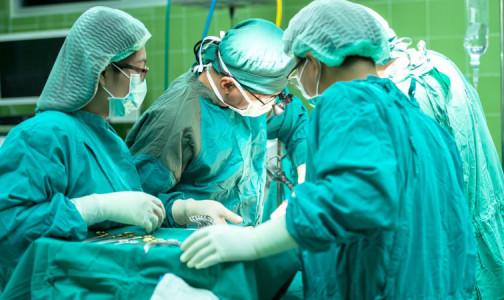 """Женщине пересадили печень, сосуды и фрагмент сердца. Ее органы много лет незаметно """"выедал"""" паразит"""