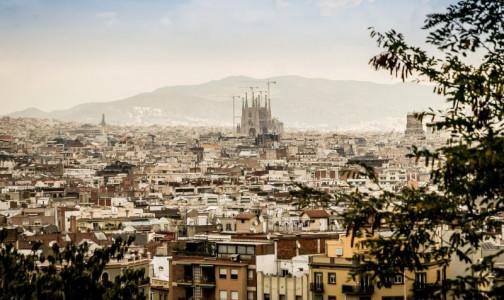 Испания может ввести ковид-паспорта в мае, а Китай уже запустил цифровые сертификаты для туристов