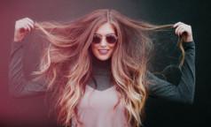 Здоровье волос зависит от правильно выбранной расчески, уверяет врач-трихолог