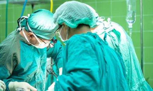 Женщину с тяжелым COVID-19 спасли от смерти, пересадив части легких ее мужа и сына