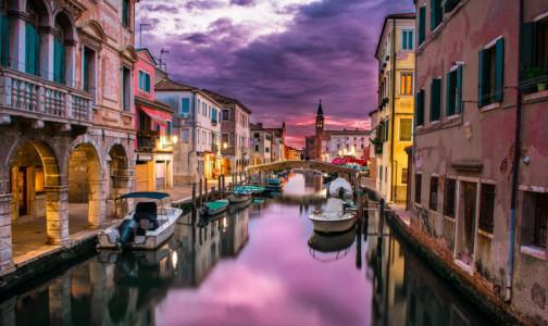 Италия готова к туристическому сезону. В страну пустят с прививкой от коронавируса или отрицательным ПЦР-тестом