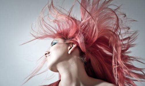 Пышный начес и заколки. Какая прическа самая вредная для волос