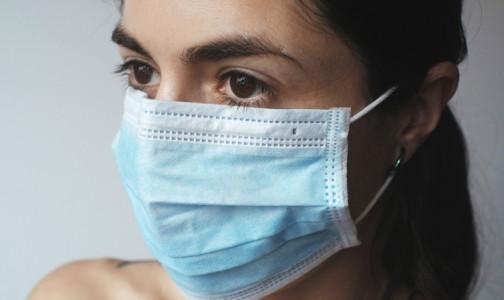 В Петербурге заболеваемость COVID-19 снижается. За сутки -  695 новых случаев заражения