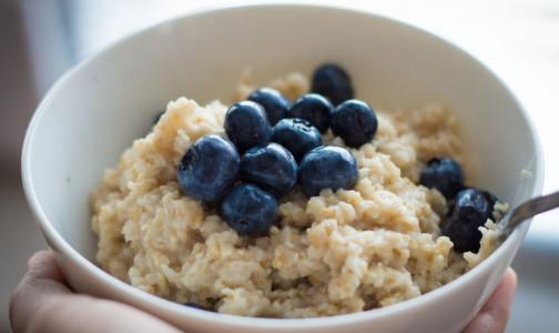 Как сделать завтрак нездоровым. Об опасности овсянки предупредила диетолог