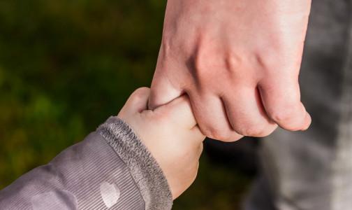 Как живут дети с неизлечимыми заболеваниями в Петербурге, комздрав спрашивает у их родителей