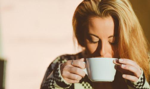 Суп - это тоже вода. Диетолог назвал лучшие напитки для запивания еды