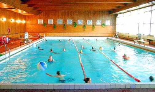 В бассейн - без справки