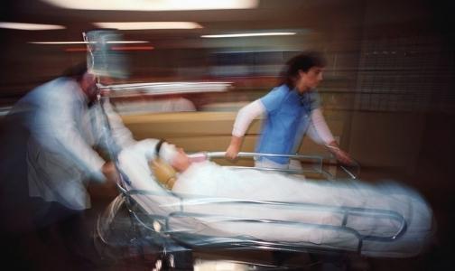 Главврача больницы избили и ограбили