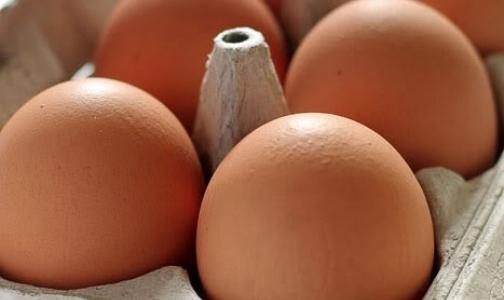 В Петербург не пустили норвежский сыр и американские яйца