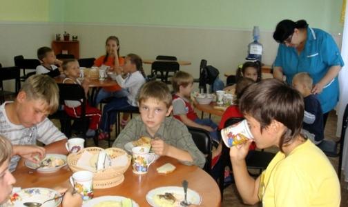 Детские оздоровительные лагеря посадили на диету