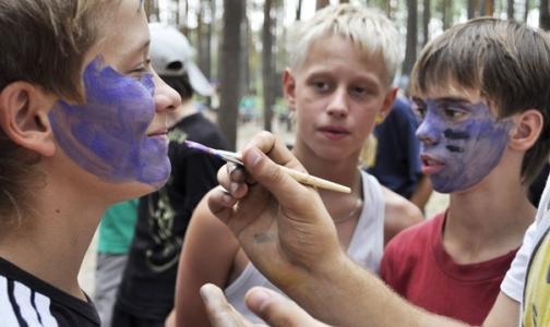 Дети в лагере почувствовали себя плохо после родительского дня