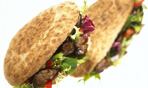 Голландские ученые сделали гамбургер с искусственным мясом