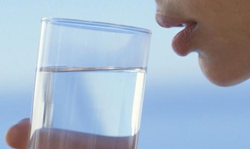 Надо ли пить два литра воды в день?